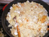 Sajtos nokedli - A második adag sajtot is forgasd bele a nokedlibe!