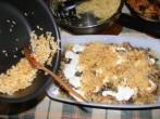 Gombás rakott káposzta - A tejfölre a rizs másik fele következik!