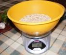 Zelleres zabpehelygolyó - Mérd ki a 15 dkg zabpelyhet!