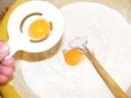 Aranygaluska - A tojássárgáját borítsd a lisztbe!