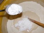 Aranygaluska - Tégy a lisztbe 2 evőkanál porcukrot!