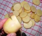Petrezselymes újkrumpli - Karikázd fel a krumplikat egy konyharuhára!