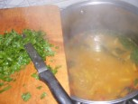 Zöldbableves - Kapard a kész levesbe a petrezselymet!