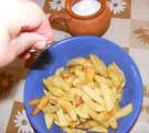 Sült krumpli - Sózd meg a sült krumplit 3 csipet sóval!