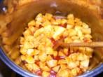 Savanyú krumplileves - Keverd meg a paprikában a krumplikat!