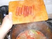 Savanyú krumplileves - Tedd bele a kolbászt a levesbe!