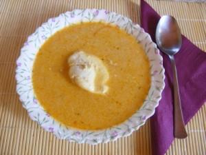 Savanyú tojásleves - Kész, tányérban.