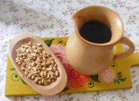 Csalán-menta tea - Kész, kancsóban.