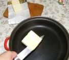 Túrós csusza - Tégy egy serpenyőbe kb. 5 dkg Rámát!