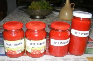 Darált paprika - Kész, üvegekben, felcímkézve.