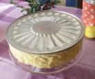 Piskótatorta eperrel - Fordítsd rá a tortát a tortatartóra!