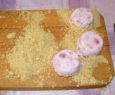 Epres krémtúró muffinformában - Sok kekszmorzsalék maradt.