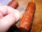 Bakonyi betyárleves - A vágás mentén húzd le a kolbász héját!