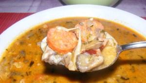 Bakonyi betyárleves - Kész, tányérban (kanálban)