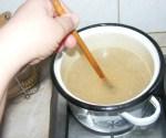 Levesbetét főzése - Keverd meg a tésztát!