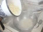 Gyömbéres csirkemell - Szűrd le a tésztát egy tésztaszűrőbe!