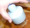 Rácsos almatorta - A rugó nyomkodásával vágd össze a dióbelet!