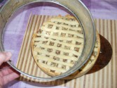 Rácsos almatorta - Fél óra múlva lecsatolhatod a tortaforma oldalpántját.