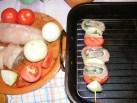 Zsályás csirkenyárs - A kész nyársat fektesd a tepsibe, a rácsra!