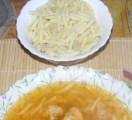 Karfiolleves - A levestészta.