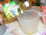 Lila hagymás kifli - Mérj ki 2 dl olajat!