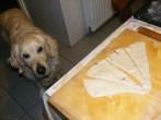 Lila hagymás kifli - A kutya szagot fogott!