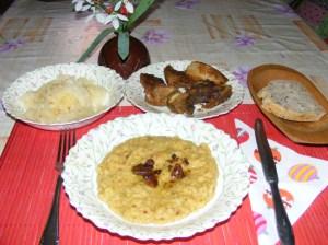 Sárgaborsó-főzelék - Kész, tányérban.