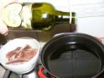 Sült oldalas - Önts 2 dl olajat a serpenyőbe!