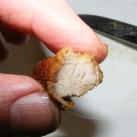Sült oldalas - Kóstold meg a húst, hogy elég puha-e!
