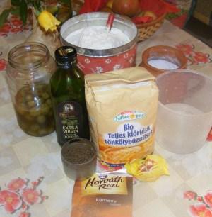 Olajbogyós kenyér - Hozzávalók