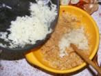Töltött paprika hús nélkül - Kapard a dinsztelt hagymát a masszához!