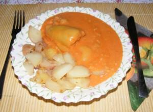 Töltött paprika hús nélkül - Kész, tányérban