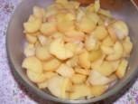 Krumplisaláta - A krumplidarabolás kész!