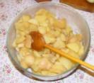 Krumplisaláta - Keverd el a krumplit, hogy eloszoljon a só!