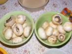 Fondüzés - Rendezd a gombákat 2 tálalótálba!