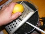 Beigli - Reszeld bele a máktöltelékbe egy citrom héját!