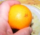 Narancslekvár - Hibás rész a narancshéjon.