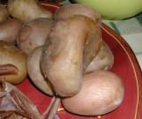 Rakott krumpli - A szabálytalan alakú krumplit jó megfőzni, mert úgy könnyű pucolni!