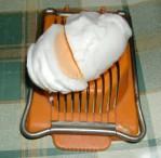 Rakott krumpli - Tojásvágóval karikázd fel az épp soron következő tojást!