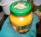 Narancslekvár - Egyesével vidd át az üvegeket a helyükre, miközben jól csavard rá a tetejüket!