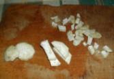 Babgulyás - A zellert vágd szeletekre, aztán csíkokra, végül darabkákra!