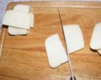Rántott sajt - A széles szeleteket vágd ketté!