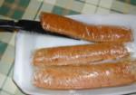 Biokolbász - Egy hosszú, széles késsel fordítsd át a kolbászokat!