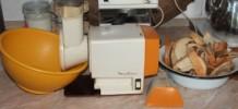 Szójafasírt - Prézli darálás - gép
