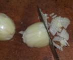 Dinsztelt krumpli - Aprítsd fel a hagymákat!