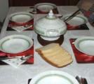 Gulyasleves - a terített asztal
