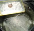 Húsleves - Reszelj bele egy fél szerecsendiót!
