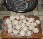 Túrógombóc - Formálj gombócokat a maradék masszából!