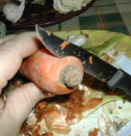 Húsleves - Vágd le a répa lapos végét!