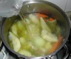 Húsleves - Ha minden puha a levesben, akkor önts még hozzá egy fél liter vizet, és azzal is főzd fel!